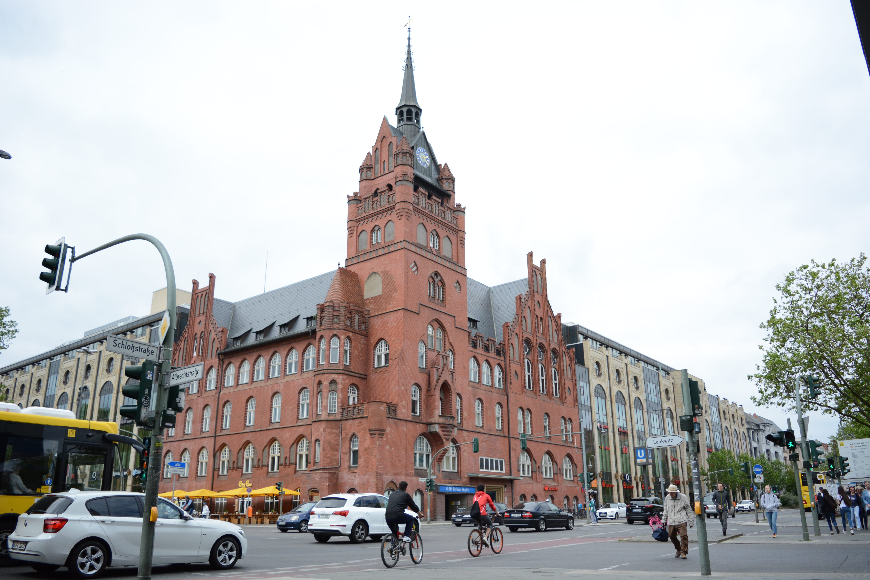 Endstation: Rathaus Steglitz