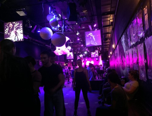 Superjut: Discoglam und Rollerskates