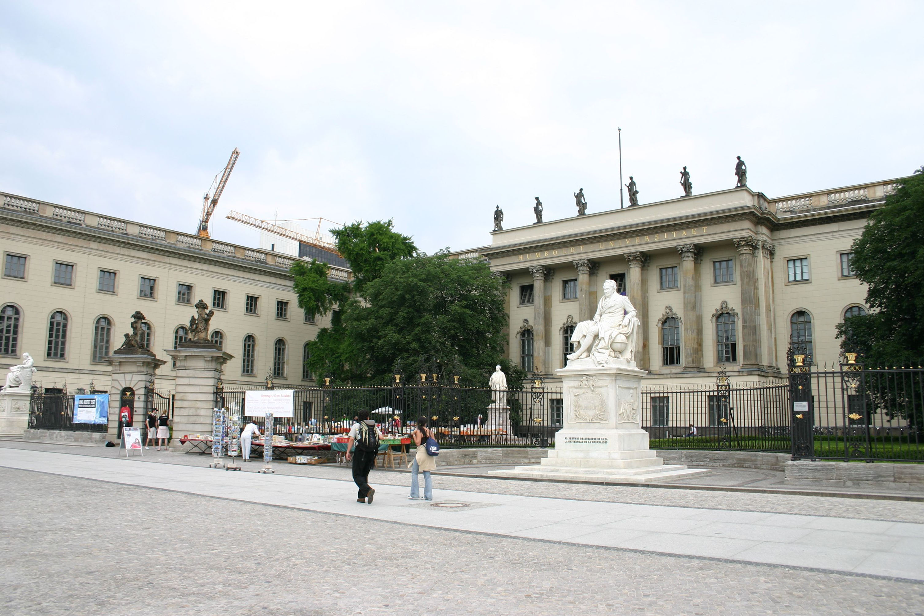 """""""Stürzt das K. u. K.-Präsidium"""" – StuPa fordert Rücktritt von Kunst und Kronthaler"""