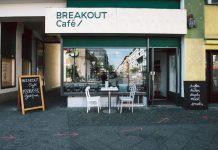 Das Breaktout-Café in Berlin-Kreuzberg. Foto: Laura Strübbe